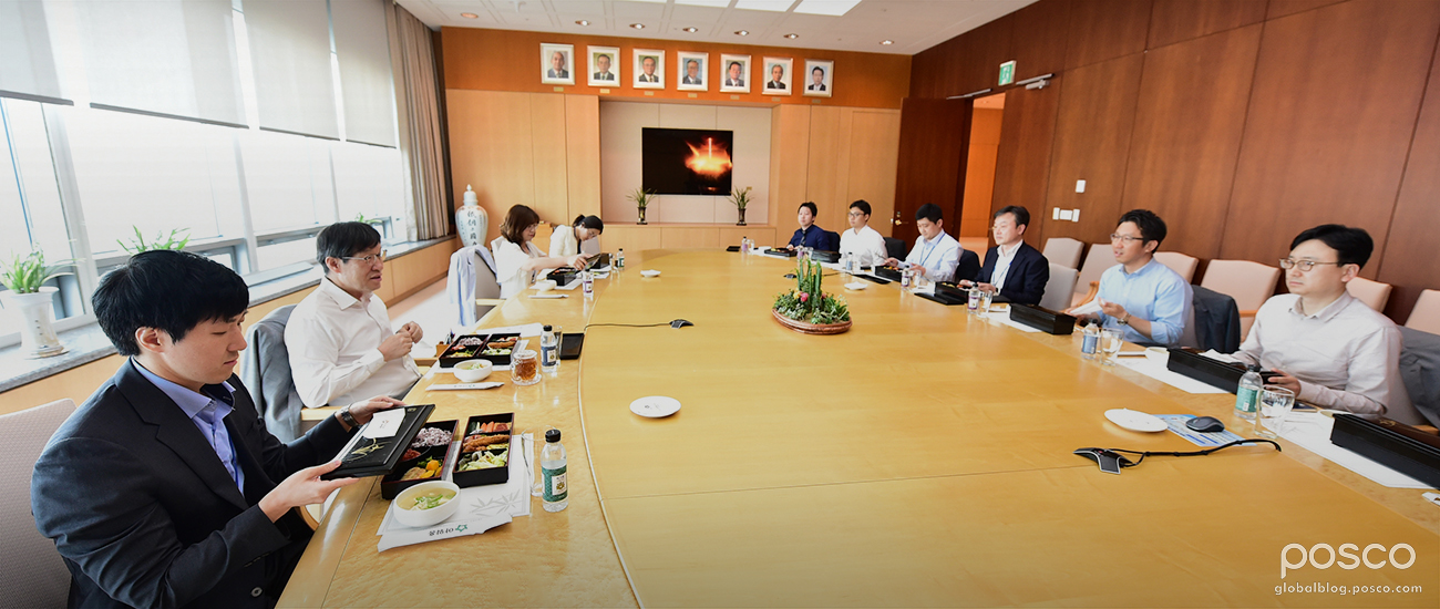 CEO Ohjoon Kwon Talks with Employees Who Have Experience in the Middle East